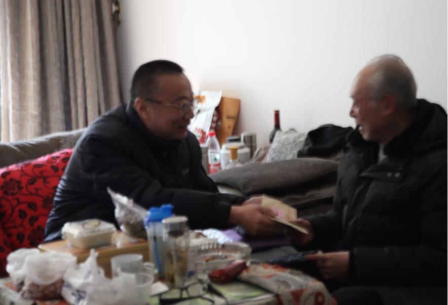 友誼集團董事長陳鍇走訪慰問離休干部