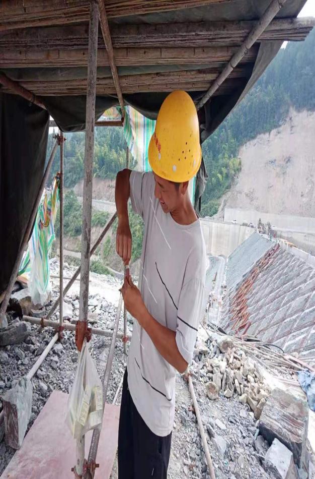 偏岩项目切实做好防暑降温工作