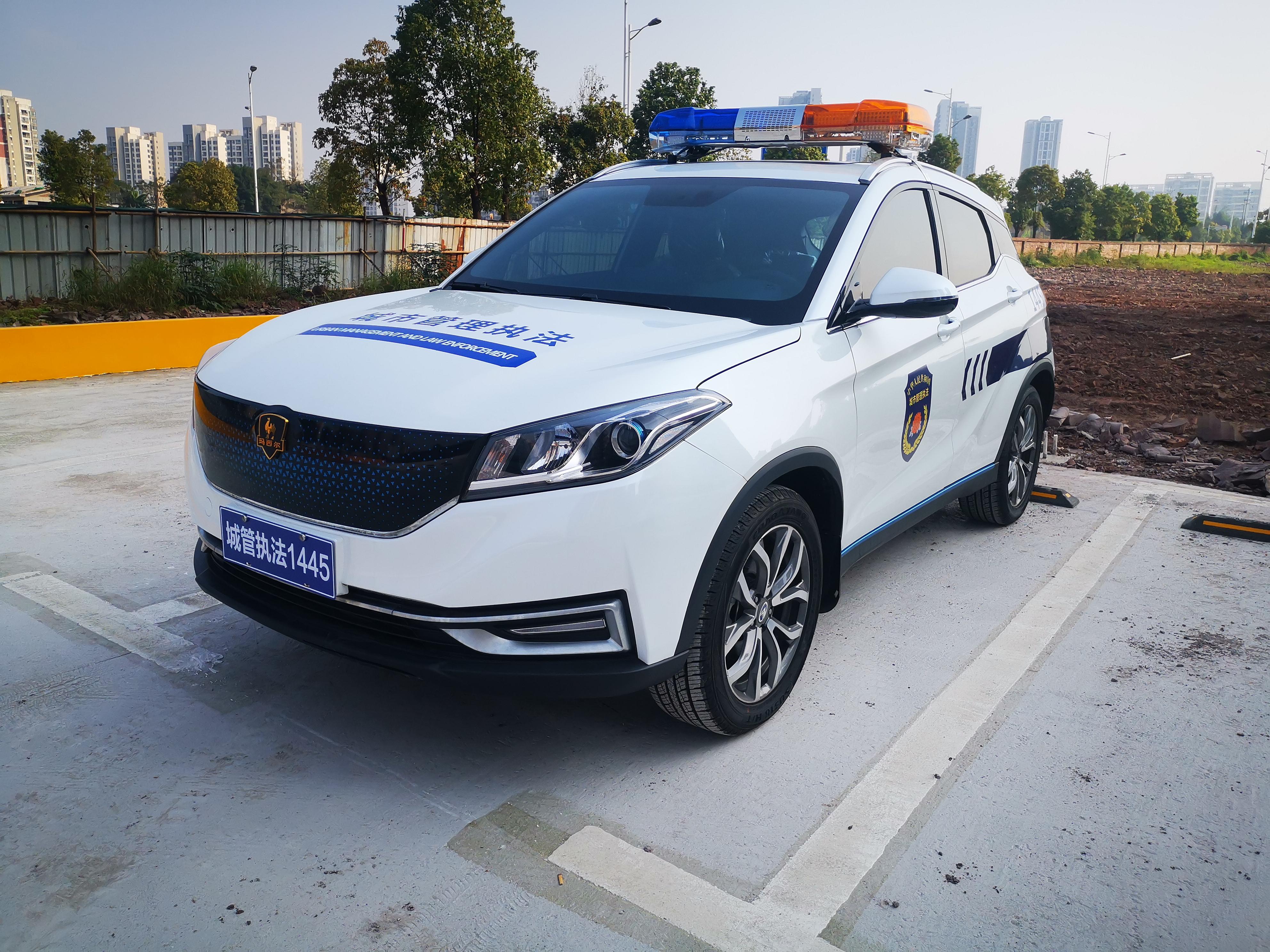 SUV型新能源巡逻车