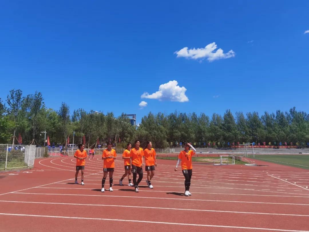 長外女足非同凡響 綠茵佳績激揚青春——我校女子足球隊在吉林省青少年校園足球夏令營活動中取得卓越戰績