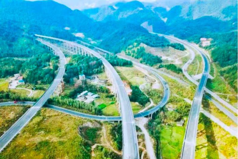福建龙岩厦蓉高速公路改扩建项目