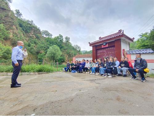 追寻红色足迹  继承革命精神                                                  ——上海环保集团党史学习教育培训班赴延安学习
