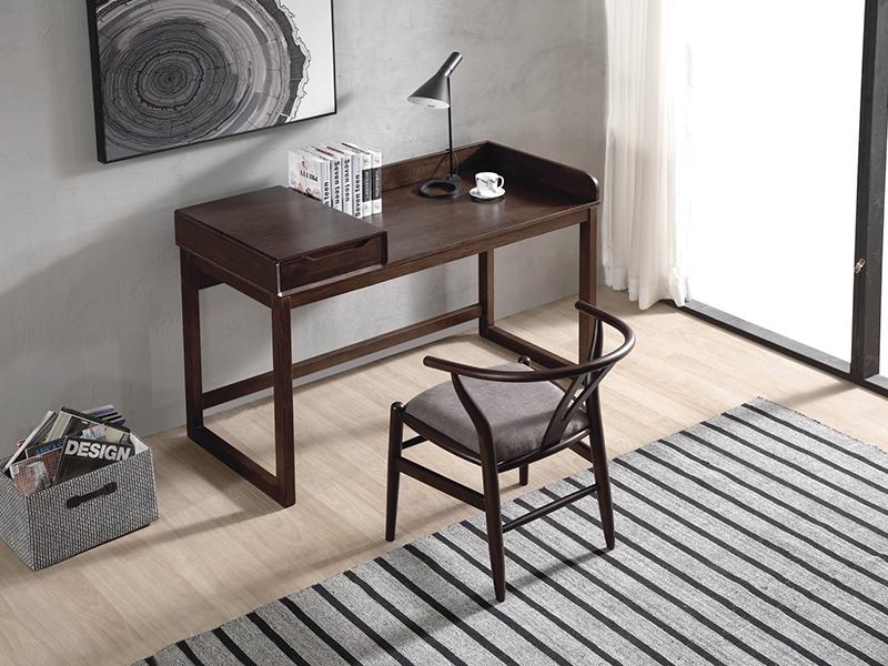 書桌、休閑椅