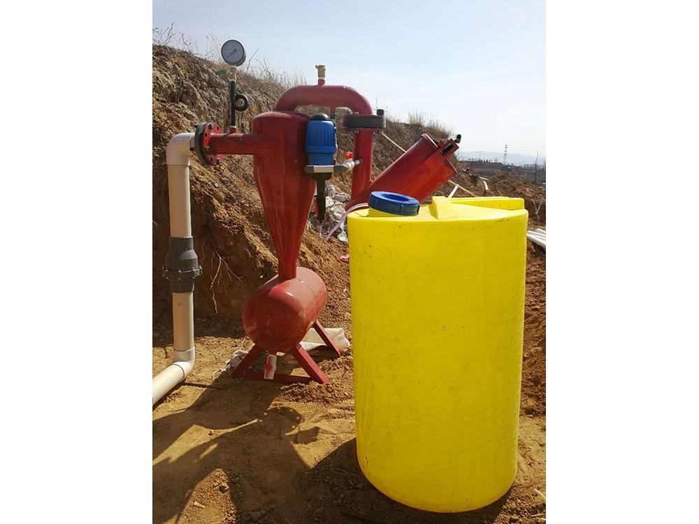 比例注肥泵+離心網式過濾器