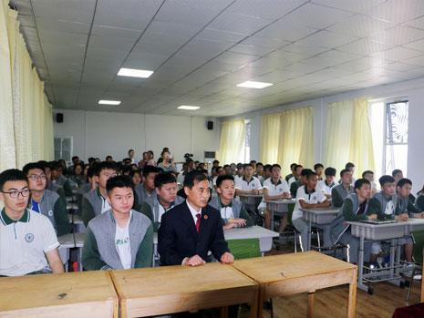 學生聽講座