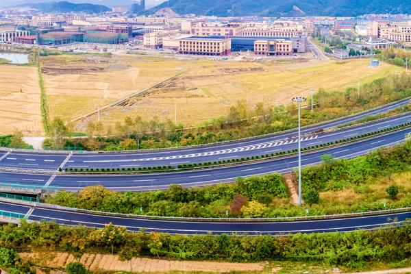 高速公路太陽能監控解決方案