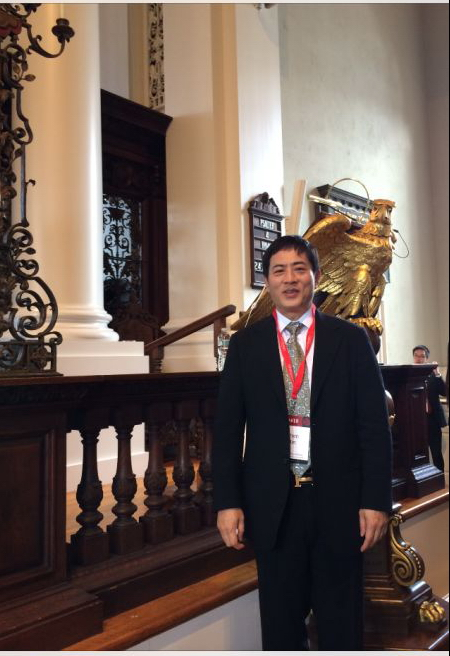 """4月24-26日陳斌總裁應邀出席在哈佛大學舉行的""""哈佛?中國論壇""""并發表演講。"""