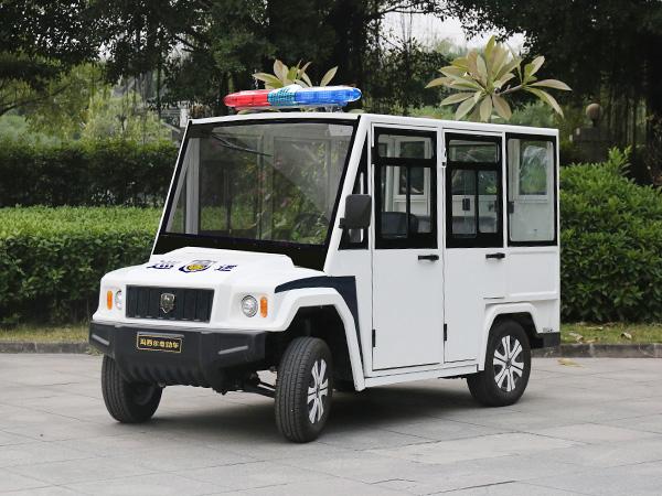 新款战盾特警巡逻车