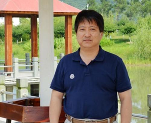 賈文平教授